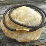 Плюсы и минусы плетеных кожаных шнурков на шею для крестика
