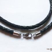 Кожаный шнурок на шею черный 4 мм с карабином под серебро