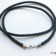 Кожаный гайтан на шею черный 5 мм со стальным карабином под серебро