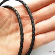 Кожаный шнурок на шею без застежки черный 3 мм
